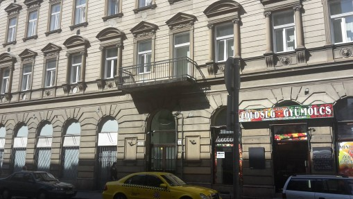 - Capital Guesthouse Budapest